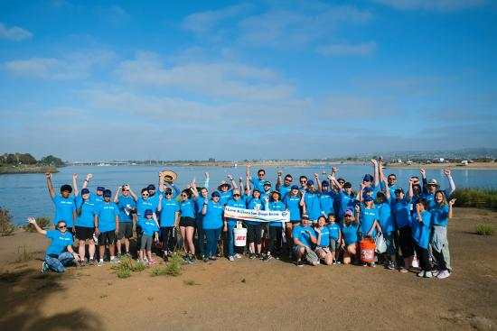 Team SDG&E participating in Coastal Cleanup Day